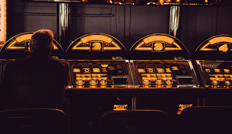 Bild posten Kino als Glücksrad 3 online Slotmaschinen mit Filmen als Thema Halloween - Kino als Glücksrad! 3 online Slotmaschinen mit Filmen als Thema